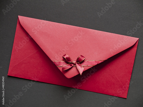 paper envelope with bow