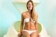 Wellness - Frau beim Floaten mit Floating tank