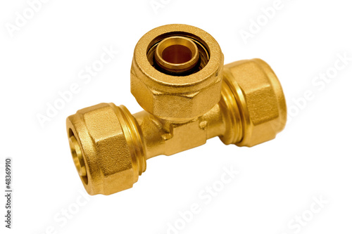 Brass tee for plastic pipes