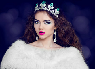 Sexy lady in Luxury. Jewelry and Beauty. Fashion art photo