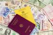 Reisepass, Impfausweis und Bargeld,