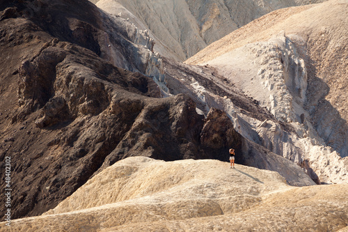 Girl looking at the landscape Death Valley © Pixelshop