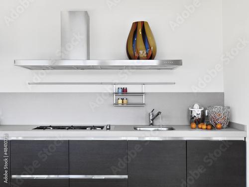 dettaglio del lavello in cucina moderna