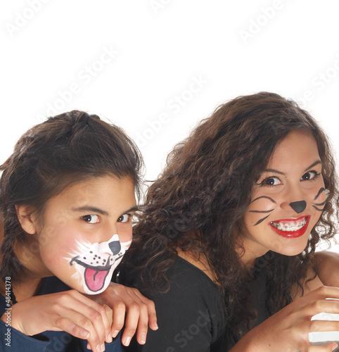 zwei mädchen mit hunde und katze schminke