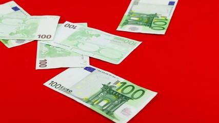 Einhundert Euroscheine Spende