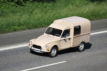 Lieferwagen01