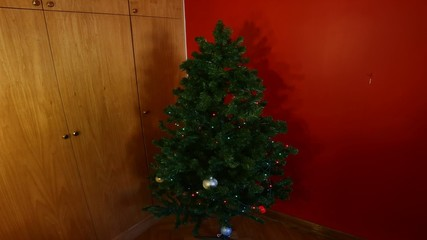 Christmas tree decorations stop motion animation