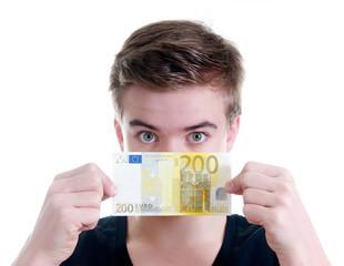 Teenager mit 200 Euro Schein
