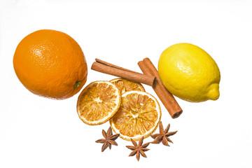 Aroma- und frische Früchte in der Weihnachtszeit