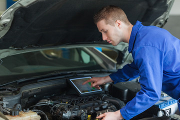 Mechanic using tablet pc