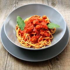 piatto di spaghetti al ragù di carne