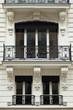 nobles Haus mit Balkon in Paris - Altbau
