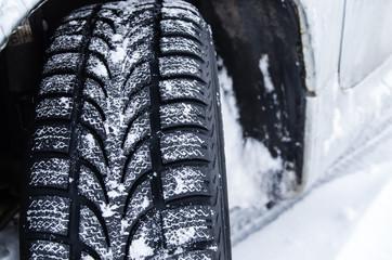 pneus dans la neige