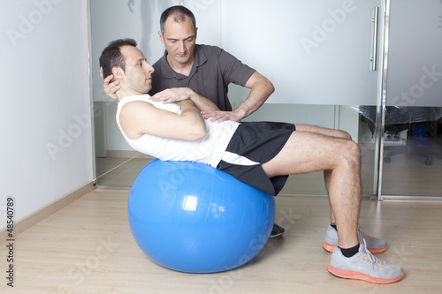 Physiotherapeut mit Patient