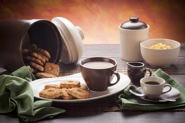 White and brown breakfast dishware