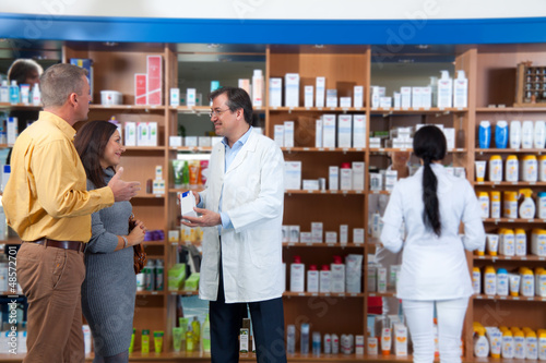 Kundenberatung in der Drogerie