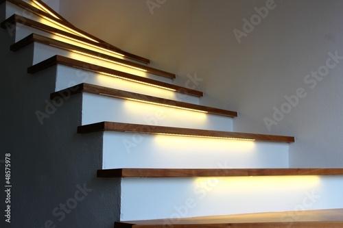 Leinwanddruck Bild beleuchtete treppe I