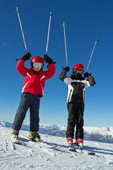 Sport d'hiver : Jeunes skieurs sur les pistes #3