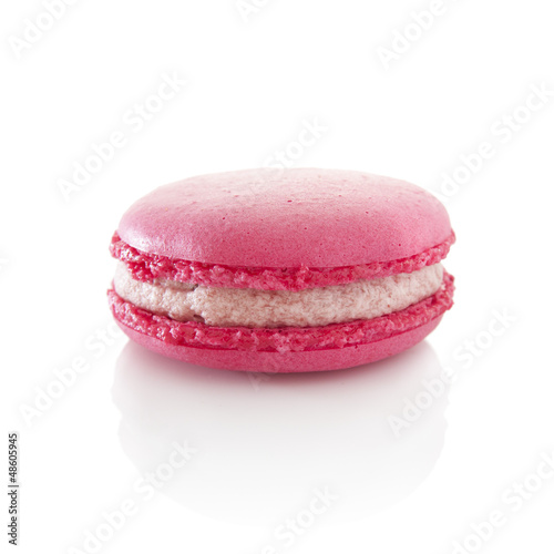 Strawberry macaroon
