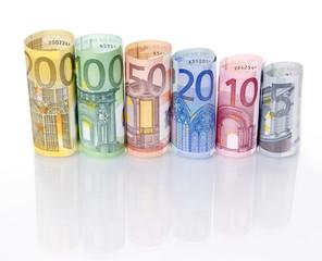 Euroscheine gerollt – Treppe