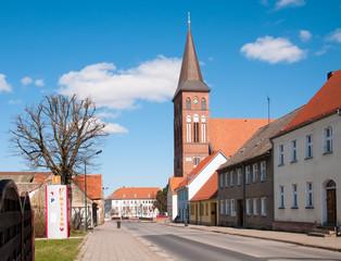 Pasewalk mit Marienkirche im Hintergrund