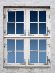 altes weisses Fenster