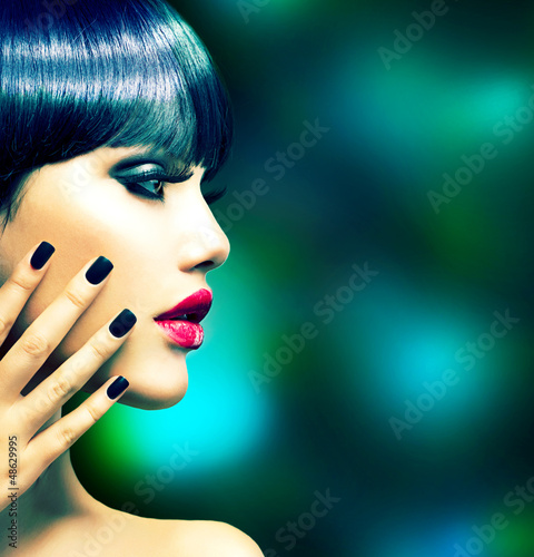 Fashion Woman Profile Portrait. Vogue Style Model