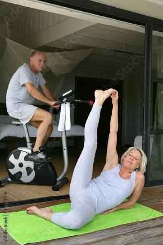 Senior couple staying in-shape