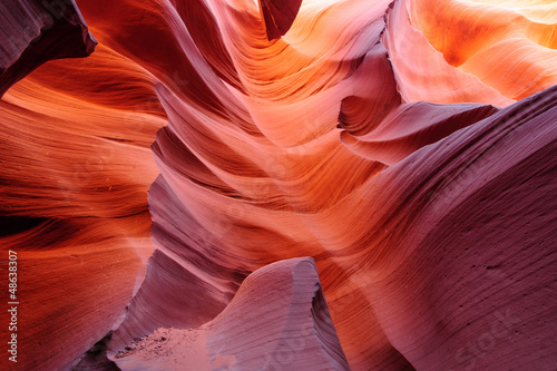 Glowing passage in lower Antelope canyon - 48638307
