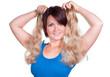 Frau möchte eine Haarverlängerung