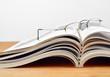 canvas print picture - Lesepause und Magazine
