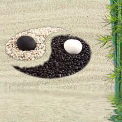 yin yang asiatique sur sable