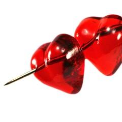 zwei Herzen vom Pfeil durchbohrt