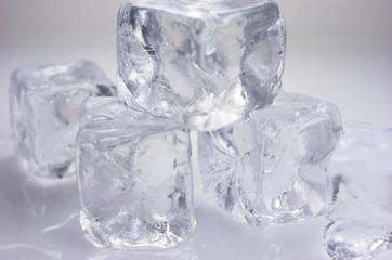 Frío, cubitos de hielo, agua