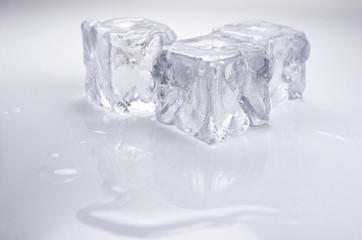 Agua, frio, cubitos de hielo