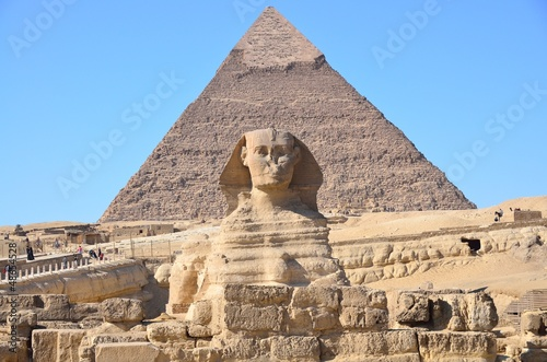 Plexiglas Egypte Great Sphinx of Giza and the pyramid of Khafre at Giza, Egypt