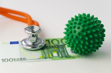 Igelball und Euro-Geldscheine
