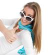 Endlich Sommer! Frau mit Sonnenbrille weiß isoliert