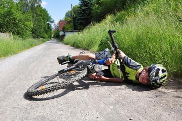 Junge gestürzt mit Fahrrad