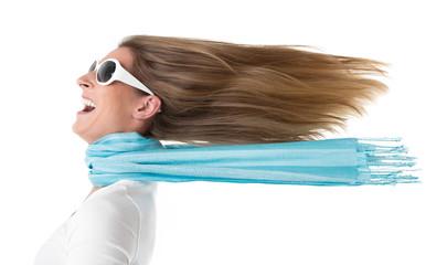 Haare im Wind - Frau isoliert - Frühlingsgefühle