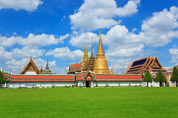 thailand grand palace in cloudy day