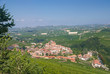 der berühmte Weinort Barolo im Piemont in Italien