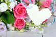 Gutschein: Rosen mit Papierherz zum Beschriften