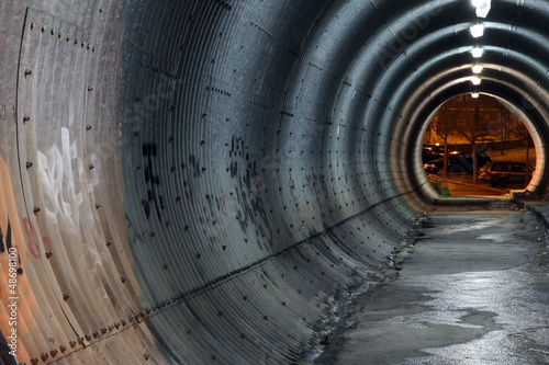 Leinwanddruck Bild lit tunnel
