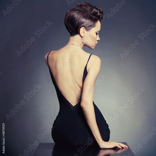 Tuinposter Akt Elegant lady in evening dress
