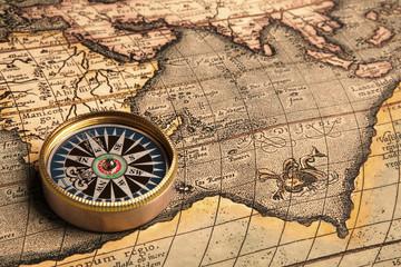 Fototapeta Stara mapa z kompasem