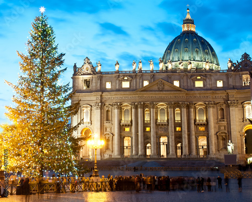 St. Peter's square at Christmas (Rome)