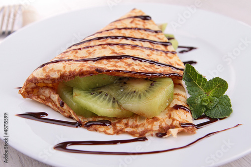 kiwi and chocolate pancake