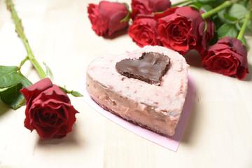 Erdbeercreme-Törtchen mit Rosen