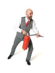 Schreiender Geschäftsmann mit Feuerlöscher